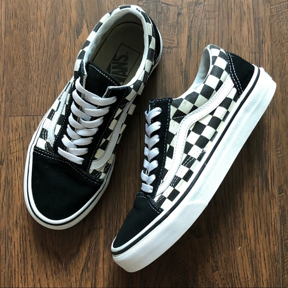 871fb2b01ec Vans Primary Check Old Skool men s size 5.5 EUC.  M 5b59e89d7ee9e22280da6506. Other Shoes ...